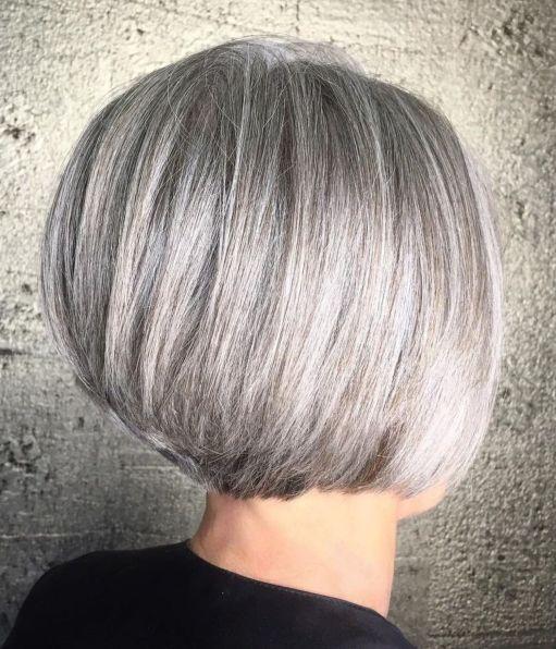 coupe arrondie femme mature - 10 coiffures courtes chics et simples pour les femmes de plus de 50 ans
