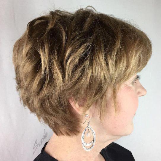 10 coiffures courtes chics et simples pour les femmes de