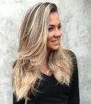 30 meilleures coiffures et coupes de cheveux pour les cheveux longs et droits
