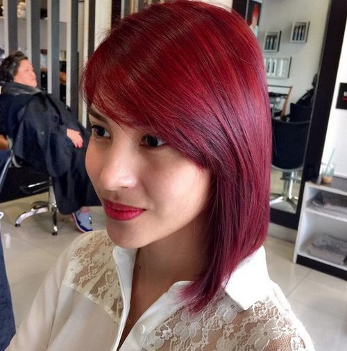 cherry hue hair color for medium hairstyle