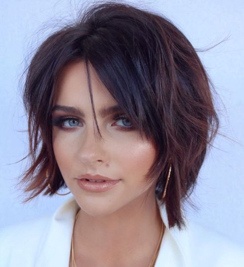 Short Bob Hairstyle For A Round Face