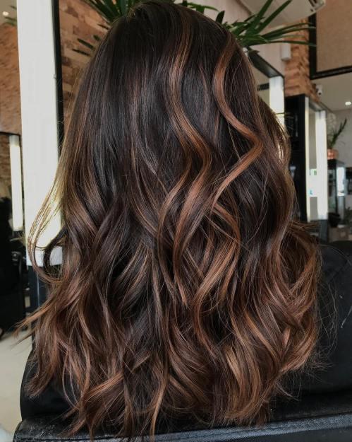 60 coiffures avec des cheveux brun fonce avec des reflets 5e42810d40a3b - 60 coiffures avec des cheveux brun foncé avec des reflets