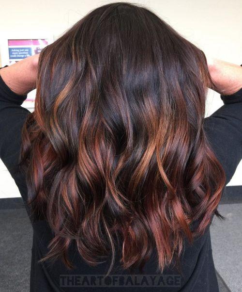 60 coiffures avec des cheveux brun fonce avec des reflets 5e42810d601d6 - 60 coiffures avec des cheveux brun foncé avec des reflets