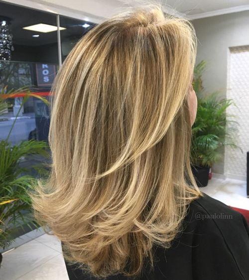 60 coiffures moyennes amusantes et flatteuses pour les femmes 5e414c022f039 - 60 coiffures coupe cheveux mi long amusantes et flatteuses pour les femmes