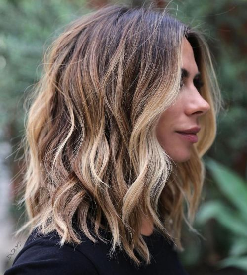 60 coiffures moyennes amusantes et flatteuses pour les femmes 5e414c024e3a6 - 60 coiffures coupe cheveux mi long amusantes et flatteuses pour les femmes