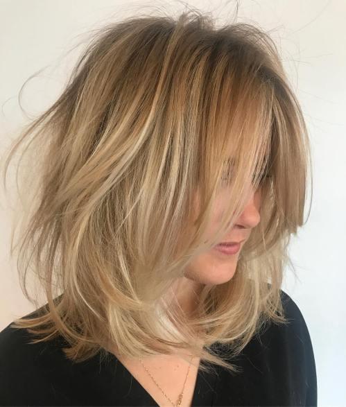 60 coiffures moyennes amusantes et flatteuses pour les femmes 5e414c030fa53 - 60 coiffures coupe cheveux mi long amusantes et flatteuses pour les femmes