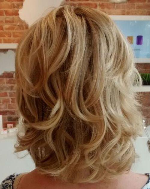 60 coiffures moyennes amusantes et flatteuses pour les femmes 5e414c0346f50 - 60 coiffures coupe cheveux mi long amusantes et flatteuses pour les femmes