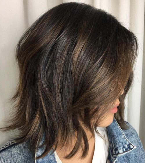 60 coiffures moyennes amusantes et flatteuses pour les femmes 5e414c05039f2 - 60 coiffures coupe cheveux mi long amusantes et flatteuses pour les femmes
