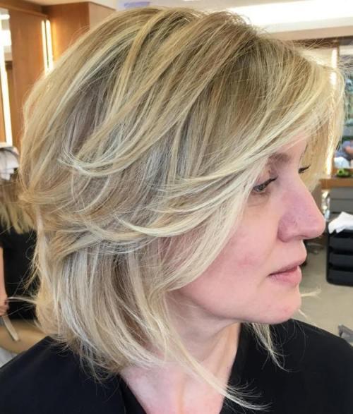 60 coiffures moyennes amusantes et flatteuses pour les femmes 5e414c0554c09 - 60 coiffures coupe cheveux mi long amusantes et flatteuses pour les femmes