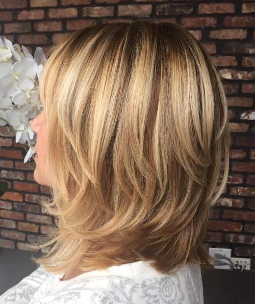 60 coiffures moyennes amusantes et flatteuses pour les femmes 5e414c061cee7 - 60 coiffures coupe cheveux mi long amusantes et flatteuses pour les femmes