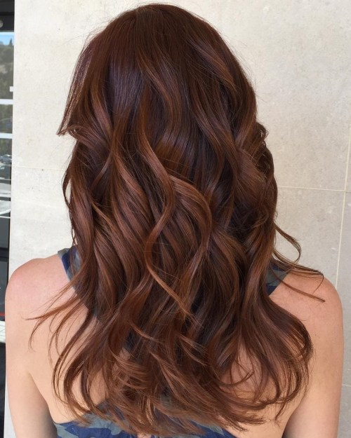 reddish brown hair with caramel highlights