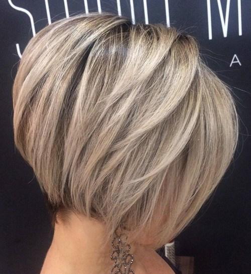 60 coupes de cheveux courtes et coiffures chics pour les cheveux epais 5e4142bf91749 - 60 coupes de cheveux courtes et coiffures chics pour les cheveux épais