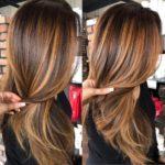 60 looks avec des reflets caramel sur les cheveux bruns et brun foncé