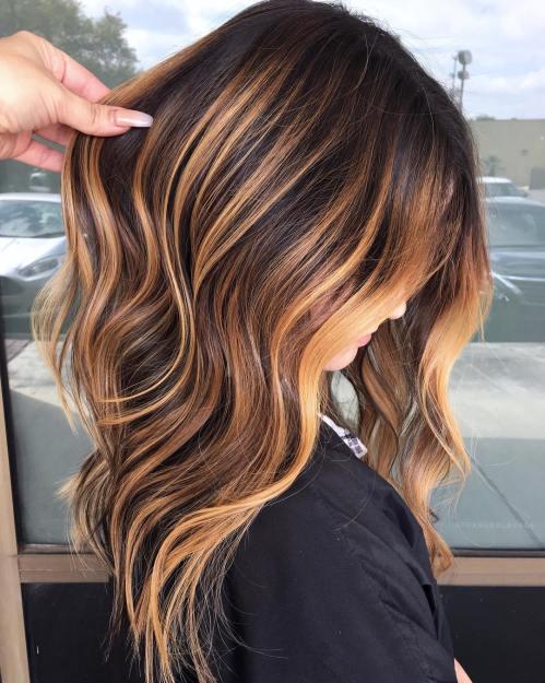 60 looks avec des reflets caramel sur les cheveux bruns et brun fonce 5e428141b11d0 - 60 looks avec des reflets caramel sur les cheveux bruns et brun foncé