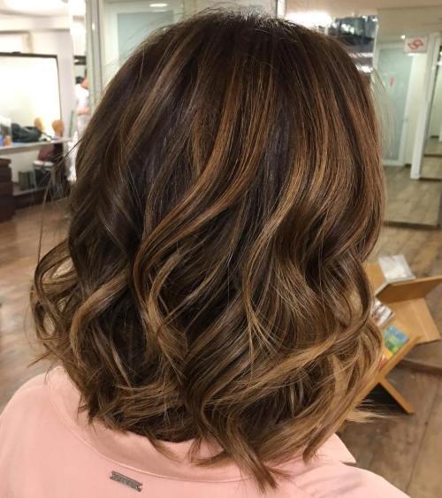 60 looks avec des reflets caramel sur les cheveux bruns et brun fonce 5e42814287123 - 60 looks avec des reflets caramel sur les cheveux bruns et brun foncé