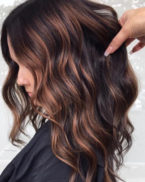 60 looks avec des reflets caramel sur les cheveux bruns et brun fonce 5e428142bcb5d - 60 looks avec des reflets caramel sur les cheveux bruns et brun foncé