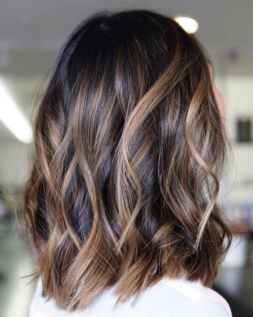 60 looks avec des reflets caramel sur les cheveux bruns et brun fonce 5e4281431b911 - 60 looks avec des reflets caramel sur les cheveux bruns et brun foncé