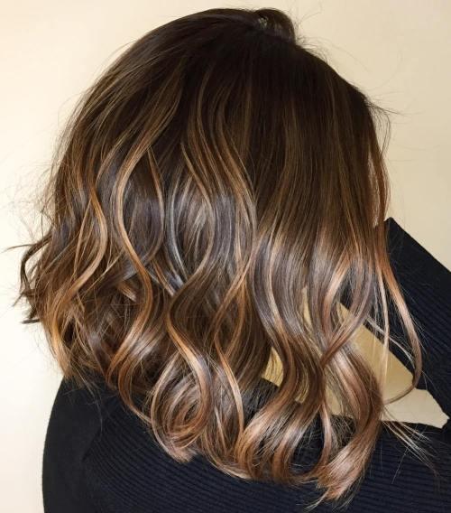 60 looks avec des reflets caramel sur les cheveux bruns et brun fonce 5e4281438c642 - 60 looks avec des reflets caramel sur les cheveux bruns et brun foncé