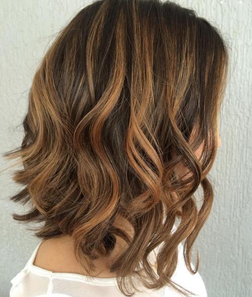 60 looks avec des reflets caramel sur les cheveux bruns et brun fonce 5e4281443e230 - 60 looks avec des reflets caramel sur les cheveux bruns et brun foncé