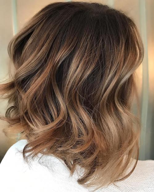 60 looks avec des reflets caramel sur les cheveux bruns et brun fonce 5e428144eb7c8 - 60 looks avec des reflets caramel sur les cheveux bruns et brun foncé