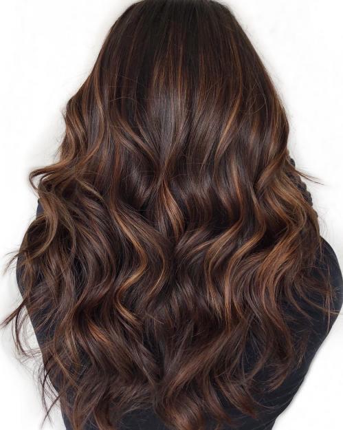 60 looks avec des reflets caramel sur les cheveux bruns et brun fonce 5e4281454a5e5 - 60 looks avec des reflets caramel sur les cheveux bruns et brun foncé