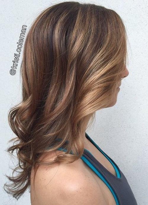 60 looks avec des reflets caramel sur les cheveux bruns et brun fonce 5e428145847d6 - 60 looks avec des reflets caramel sur les cheveux bruns et brun foncé