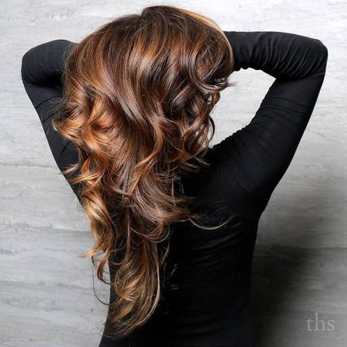 60 looks avec des reflets caramel sur les cheveux bruns et brun fonce 5e42814606ab3 - 60 looks avec des reflets caramel sur les cheveux bruns et brun foncé
