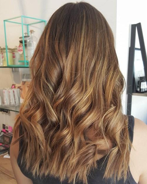 60 looks avec des reflets caramel sur les cheveux bruns et brun fonce 5e42814642774 - 60 looks avec des reflets caramel sur les cheveux bruns et brun foncé
