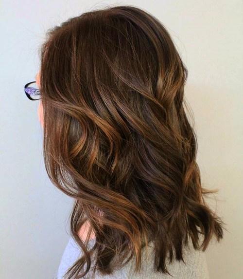 60 looks avec des reflets caramel sur les cheveux bruns et brun fonce 5e4281465ea50 - 60 looks avec des reflets caramel sur les cheveux bruns et brun foncé