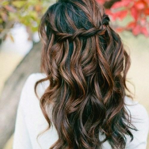 60 looks avec des reflets caramel sur les cheveux bruns et brun fonce 5e42814855b37 - 60 looks avec des reflets caramel sur les cheveux bruns et brun foncé