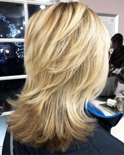 60 meilleures variations dune coupe de cheveux moyenne pour votre style distinctif 5e414ad37d0d6 - Nos looks de l'été avec Youcam Makeup