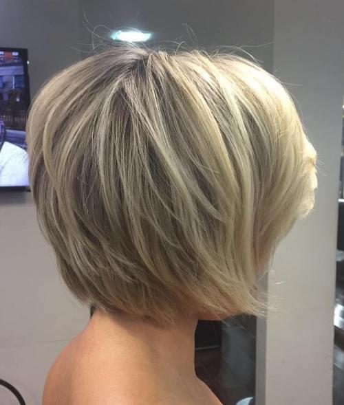 70 coiffures en couches courtes mignonnes et faciles a coiffer 5e414348b3006 - 70 coiffures en dégradé courtes mignonnes et faciles à coiffer