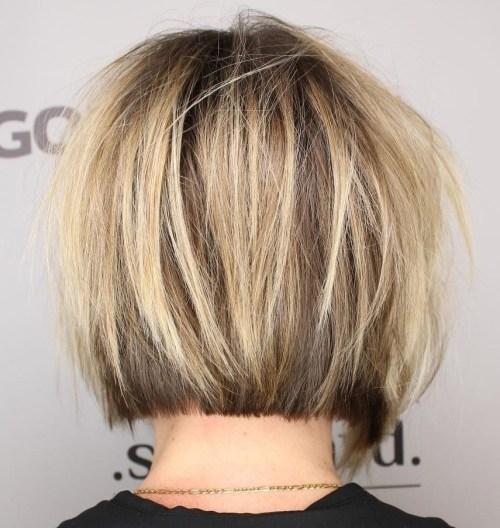 70 coiffures en couches courtes mignonnes et faciles a coiffer 5e414349131c2 - 70 coiffures en dégradé courtes mignonnes et faciles à coiffer