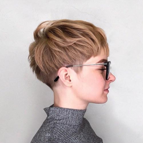 70 coiffures en couches courtes mignonnes et faciles a coiffer 5e4143492fb46 - 70 coiffures en dégradé courtes mignonnes et faciles à coiffer