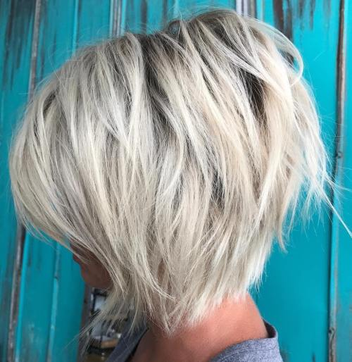 70 coiffures en couches courtes mignonnes et faciles a coiffer 5e41434b54c47 - 70 coiffures en dégradé courtes mignonnes et faciles à coiffer