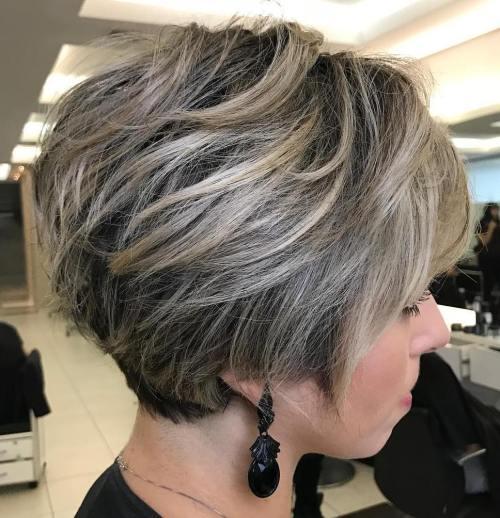 70 coiffures en couches courtes mignonnes et faciles a coiffer 5e41434c4cb06 - 70 coiffures en dégradé courtes mignonnes et faciles à coiffer