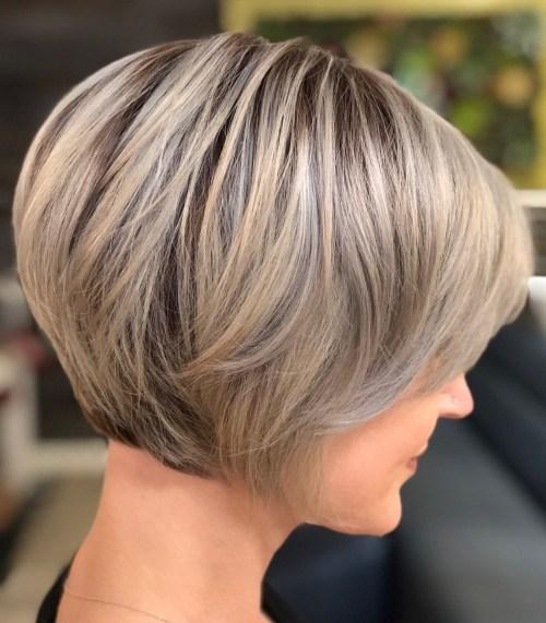 70 coiffures en couches courtes mignonnes et faciles a coiffer 5e41434dade82 - 70 coiffures en dégradé courtes mignonnes et faciles à coiffer