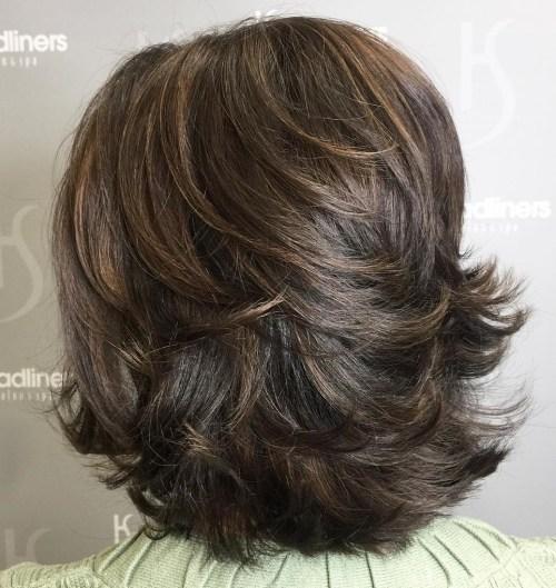 70 coupes de cheveux en couches moyennes les plus brillantes pour vous eclairer 5e414b04e3202 - 70 coupes mi longs de cheveux en couches les plus brillantes pour vous éclairer