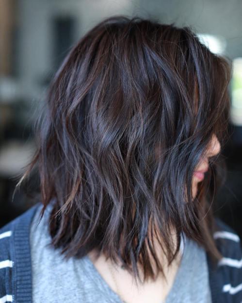 70 coupes de cheveux en couches moyennes les plus brillantes pour vous eclairer 5e414b05d1cf3 - 70 coupes mi longs de cheveux en couches les plus brillantes pour vous éclairer
