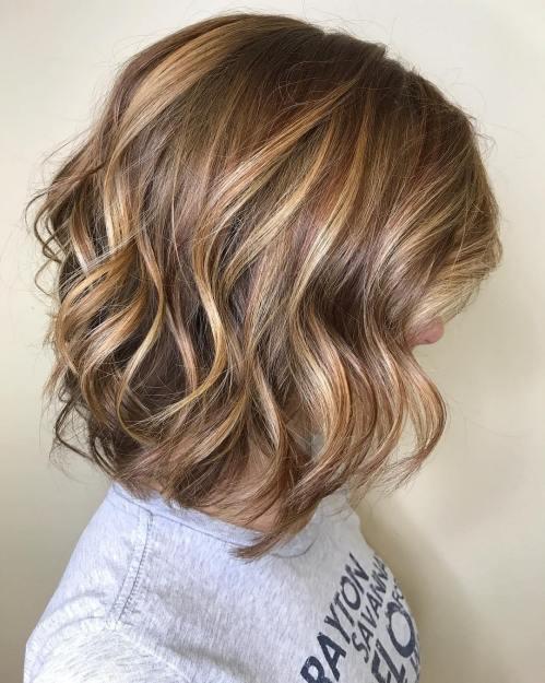 70 coupes de cheveux en couches moyennes les plus brillantes pour vous eclairer 5e414b05ece43 - 70 coupes mi longs de cheveux en couches les plus brillantes pour vous éclairer