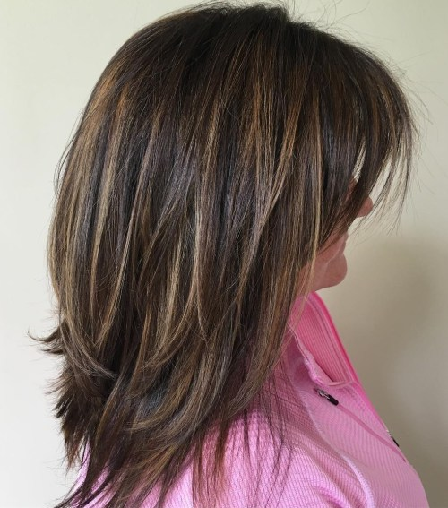 70 coupes de cheveux en couches moyennes les plus brillantes pour vous eclairer 5e414b0614621 - 70 coupes mi longs de cheveux en couches les plus brillantes pour vous éclairer