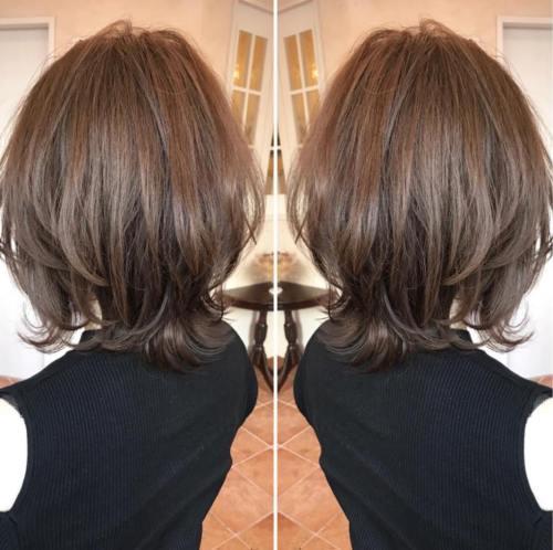 70 coupes de cheveux en couches moyennes les plus brillantes pour vous eclairer 5e414b0632d09 - 70 coupes mi longs de cheveux en couches les plus brillantes pour vous éclairer