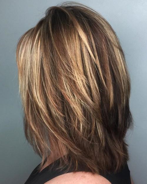 70 coupes de cheveux en couches moyennes les plus brillantes pour vous eclairer 5e414b064f328 - 70 coupes mi longs de cheveux en couches les plus brillantes pour vous éclairer