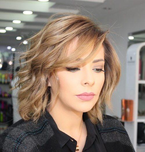 70 coupes de cheveux en couches moyennes les plus brillantes pour vous eclairer 5e414b0733512 - 70 coupes mi longs de cheveux en couches les plus brillantes pour vous éclairer