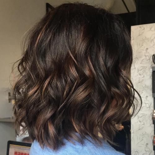 70 coupes de cheveux en couches moyennes les plus brillantes pour vous eclairer 5e414b080a0c0 - 70 coupes mi longs de cheveux en couches les plus brillantes pour vous éclairer