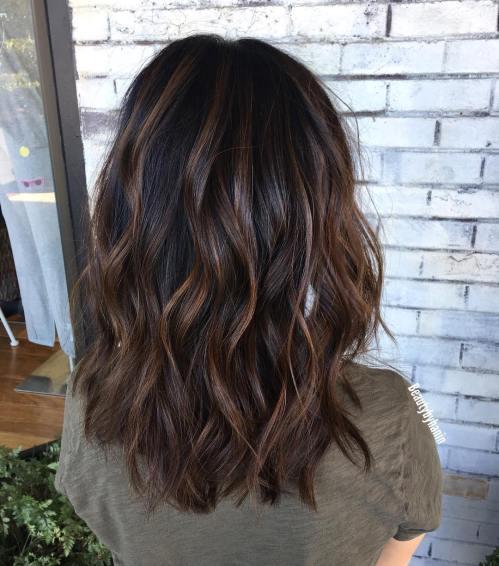 70 coupes de cheveux en couches moyennes les plus brillantes pour vous eclairer 5e414b0842218 - 70 coupes mi longs de cheveux en couches les plus brillantes pour vous éclairer
