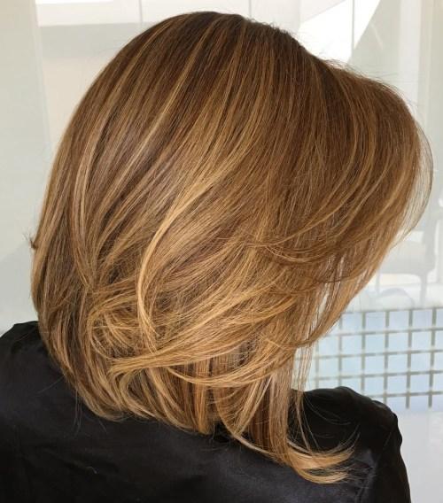 70 coupes de cheveux en couches moyennes les plus brillantes pour vous eclairer 5e414b0973052 - 70 coupes mi longs de cheveux en couches les plus brillantes pour vous éclairer