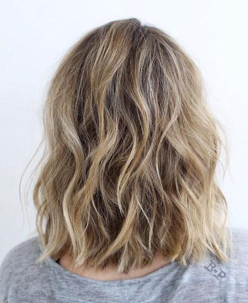 70 coupes de cheveux en couches moyennes les plus brillantes pour vous eclairer 5e414b0990767 - 70 coupes mi longs de cheveux en couches les plus brillantes pour vous éclairer