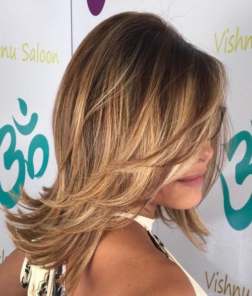 70 coupes de cheveux en couches moyennes les plus brillantes pour vous eclairer 5e414b09adbd2 - 70 coupes mi longs de cheveux en couches les plus brillantes pour vous éclairer