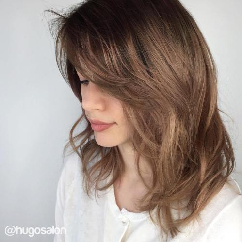 70 coupes de cheveux en couches moyennes les plus brillantes pour vous eclairer 5e414b0a80760 - 70 coupes mi longs de cheveux en couches les plus brillantes pour vous éclairer